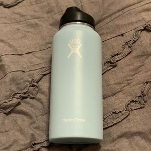 Light blue Hydro flask